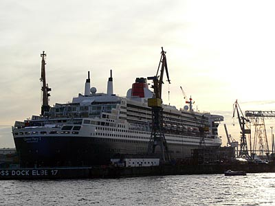 Queen Mary in Hamburg